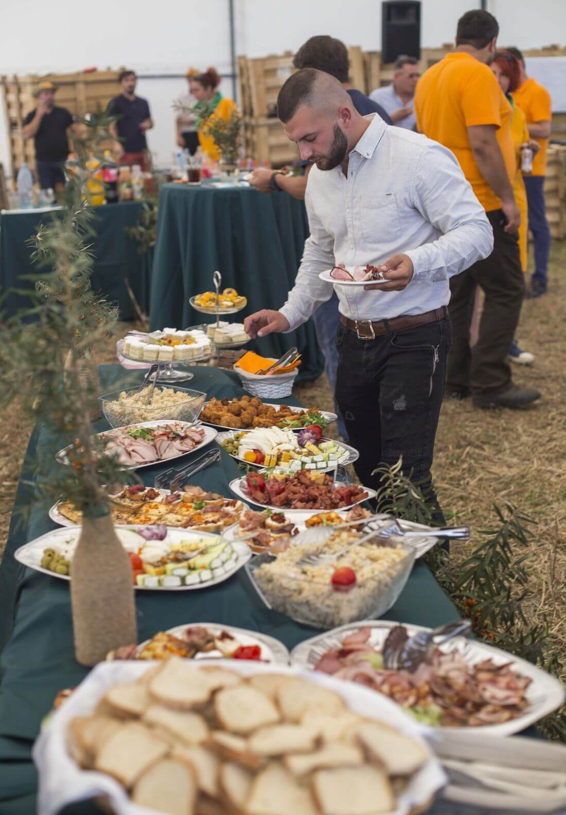 Catering Evenimente - In Bucate Catering - Festivalul Catinei Gaiesti - 1170px - 1