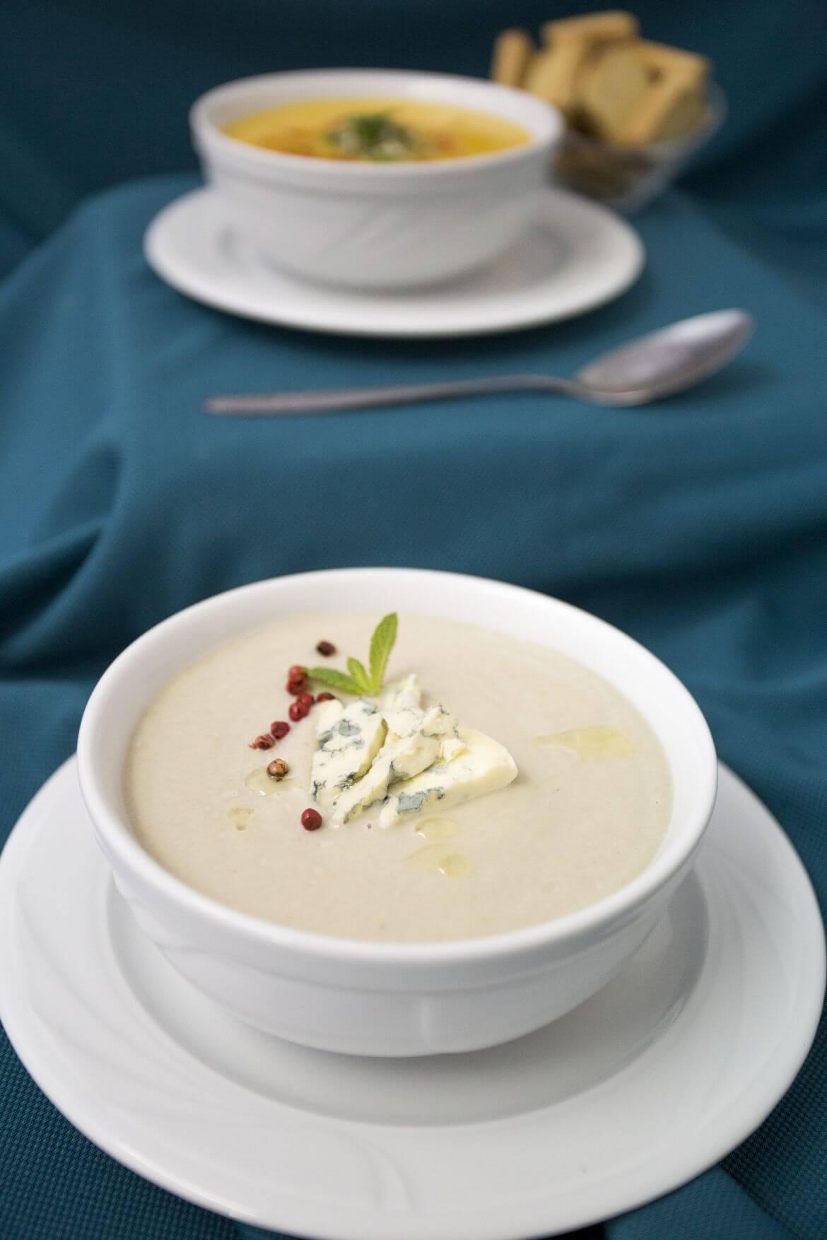 In Bucate - Supa crema de ciuperci cu crutoane